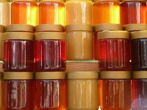 Med - rôzne druhy (lesný, kvetový, agátový, šľahaný...)
