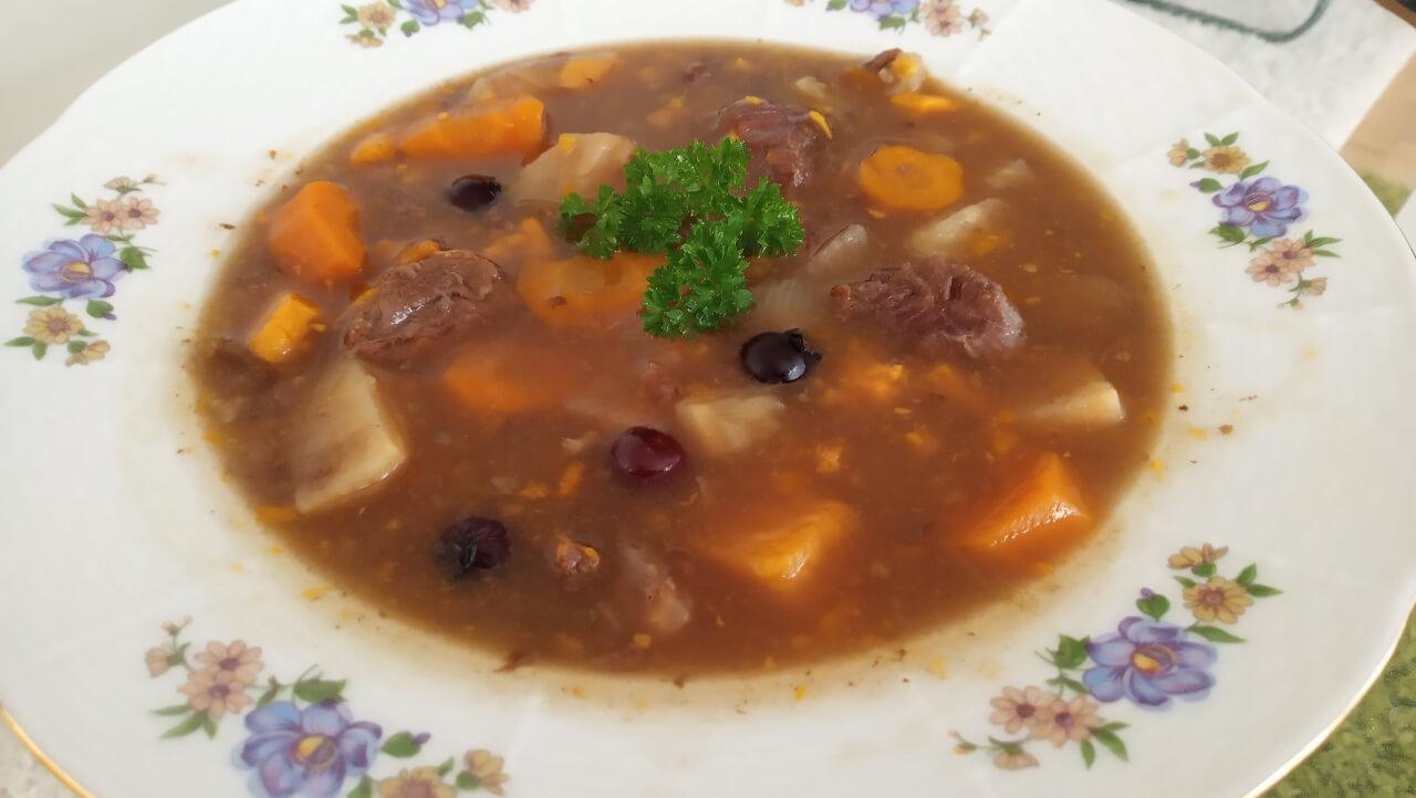 Netradičný jelení guláš/ jelenia stew (AIP, paleo)
